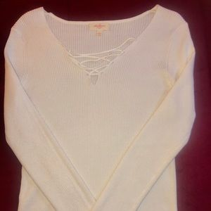 NWOT Ambiance off white sweater size L